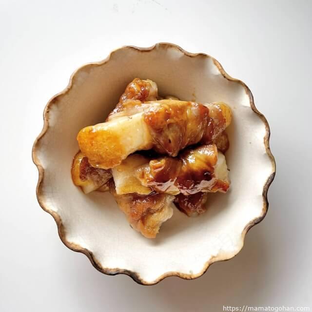 【幼児食】甘辛もちもち!照り焼き肉巻き餅レシピ・作り方